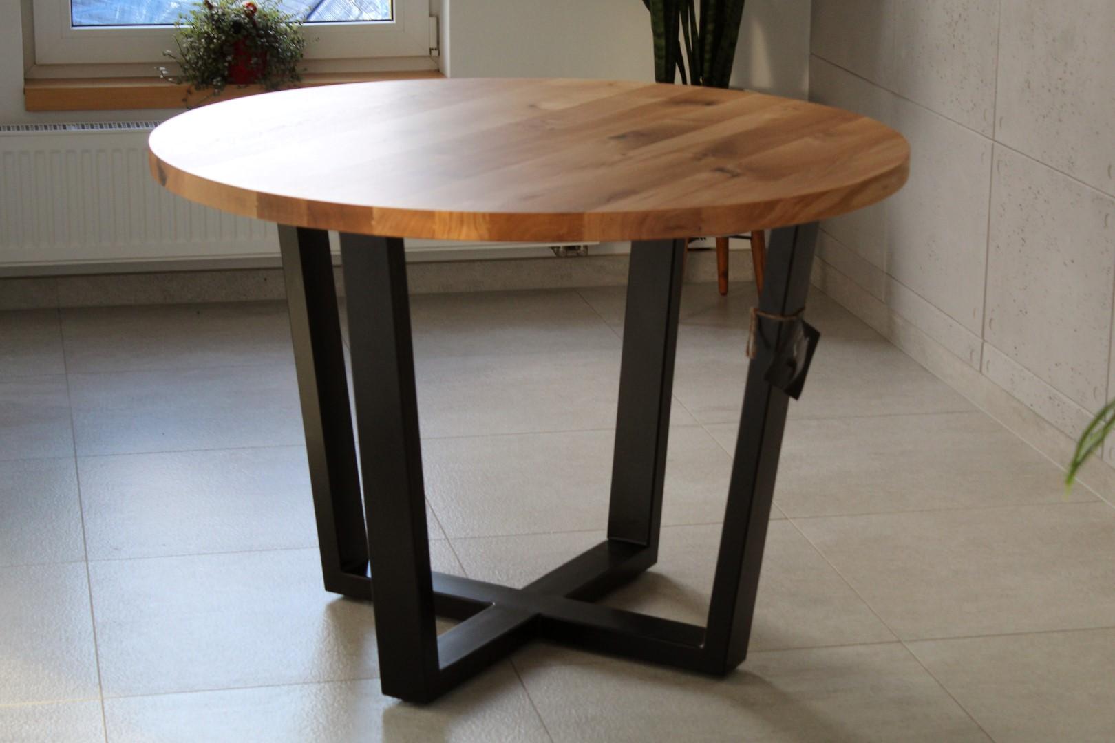 Industrialny stół z dębowym okrągłym blatem #1