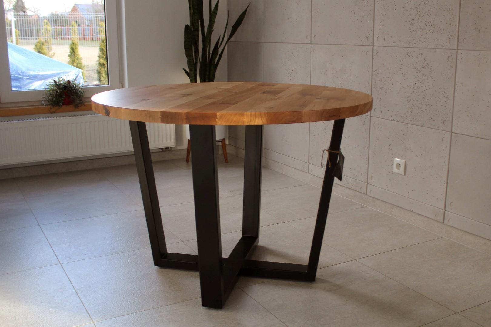 Industrialny stół z dębowym okrągłym blatem #2