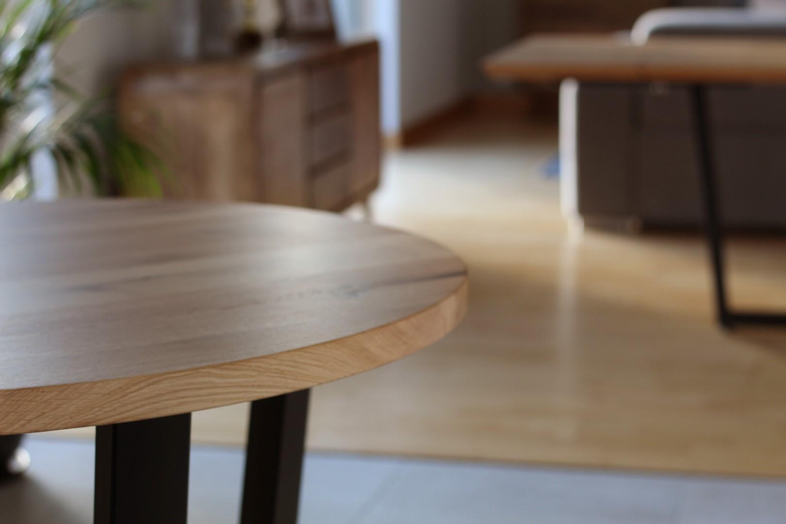 Industrialny stół z dębowym okrągłym blatem #4