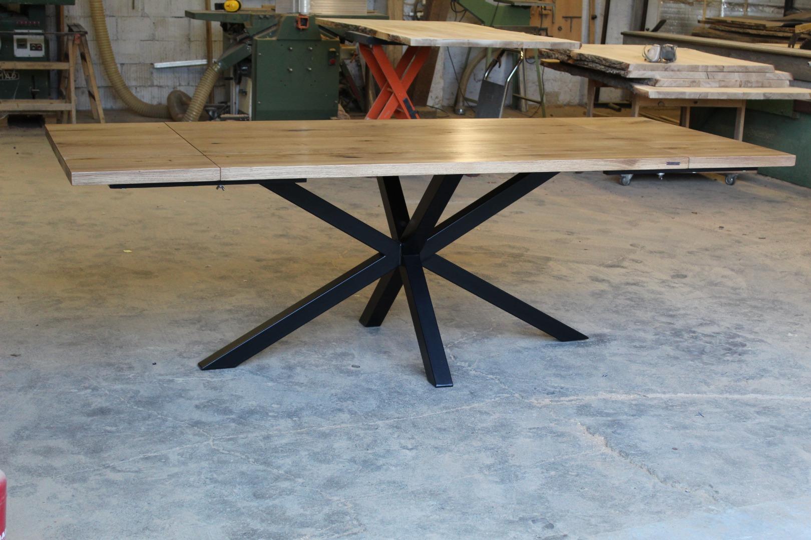 Stół na na masywnej nodze  #3