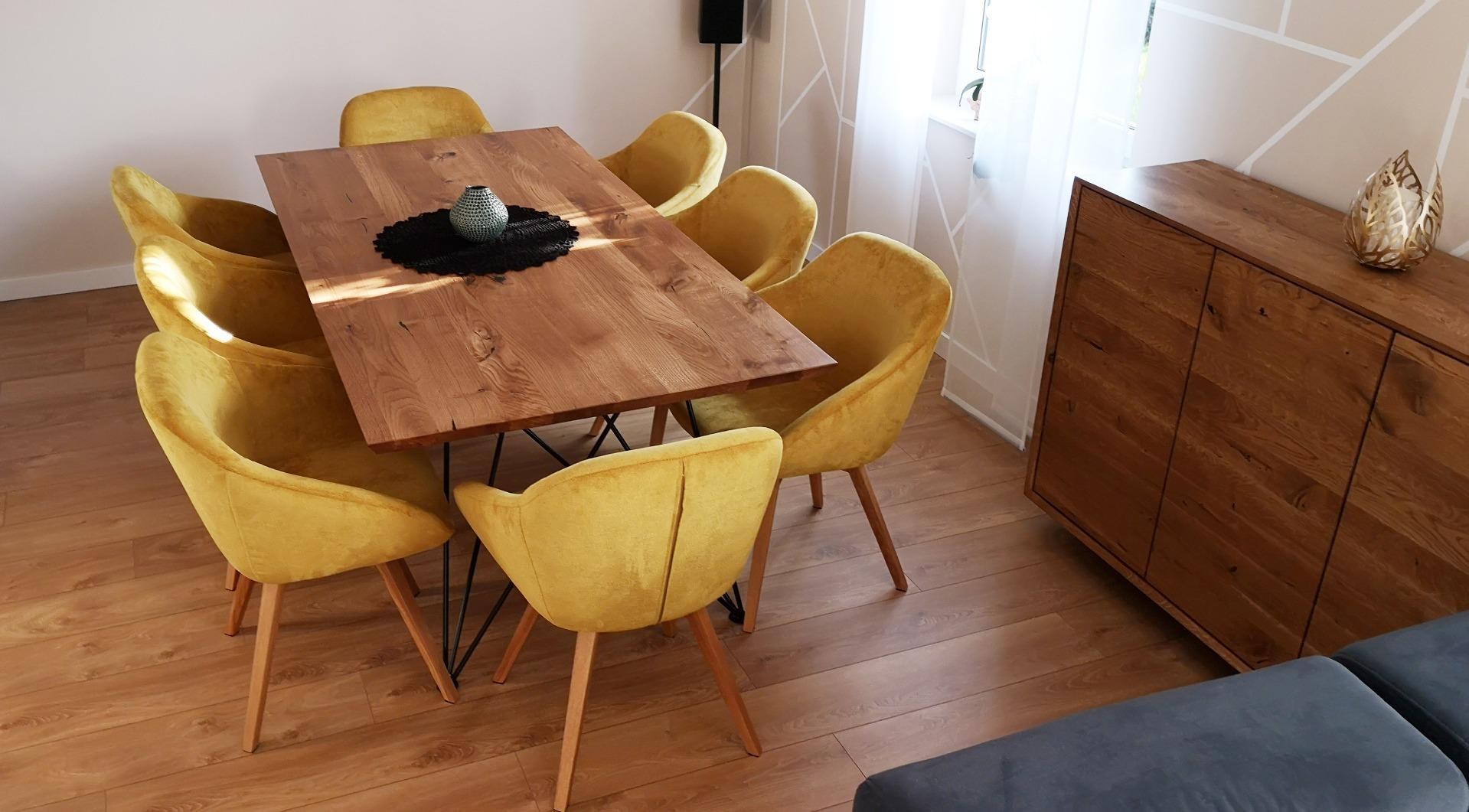 Dębowy stół z nogą w czarnym macie #4