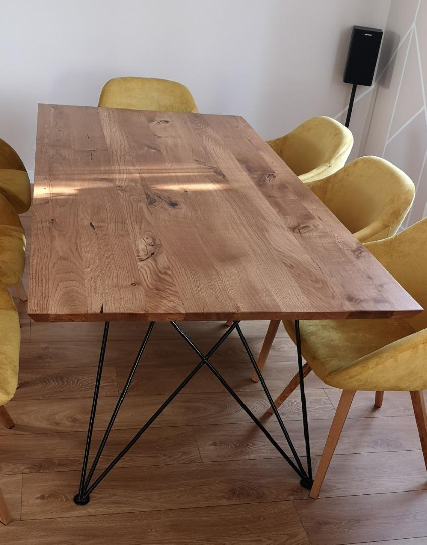 Dębowy stół z nogą w czarnym macie #9