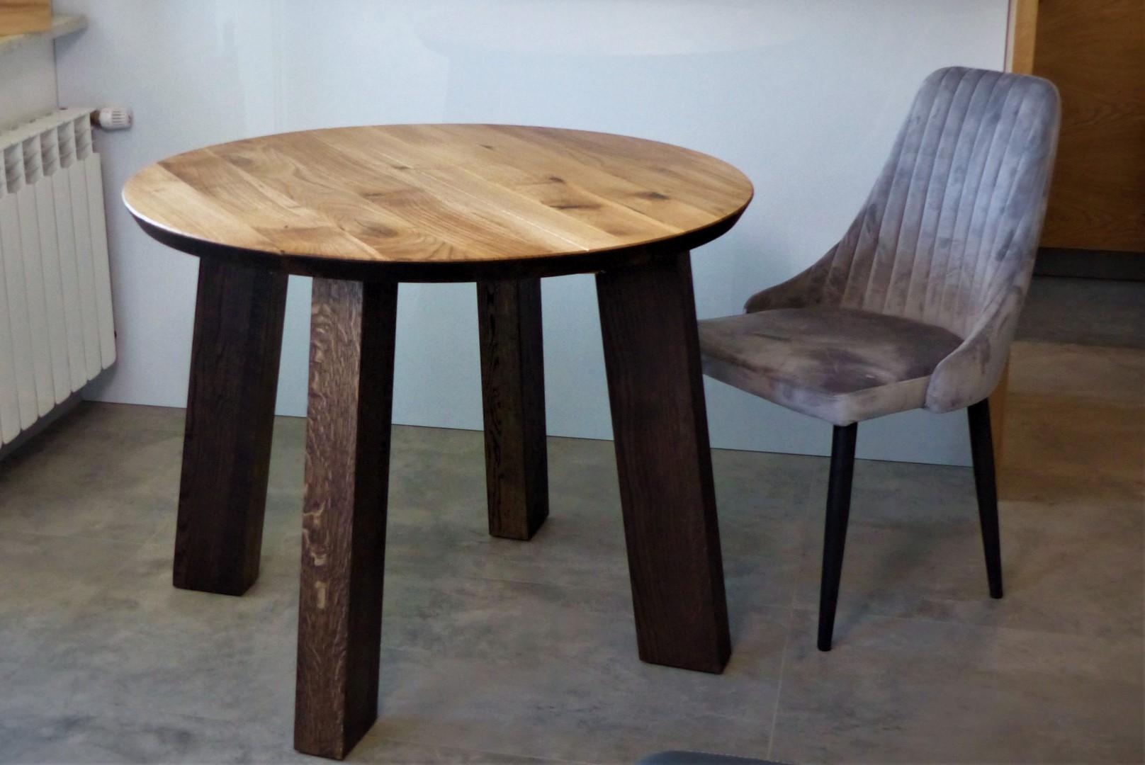 Okrągły stół dębowy z nogami z litego drewna #3