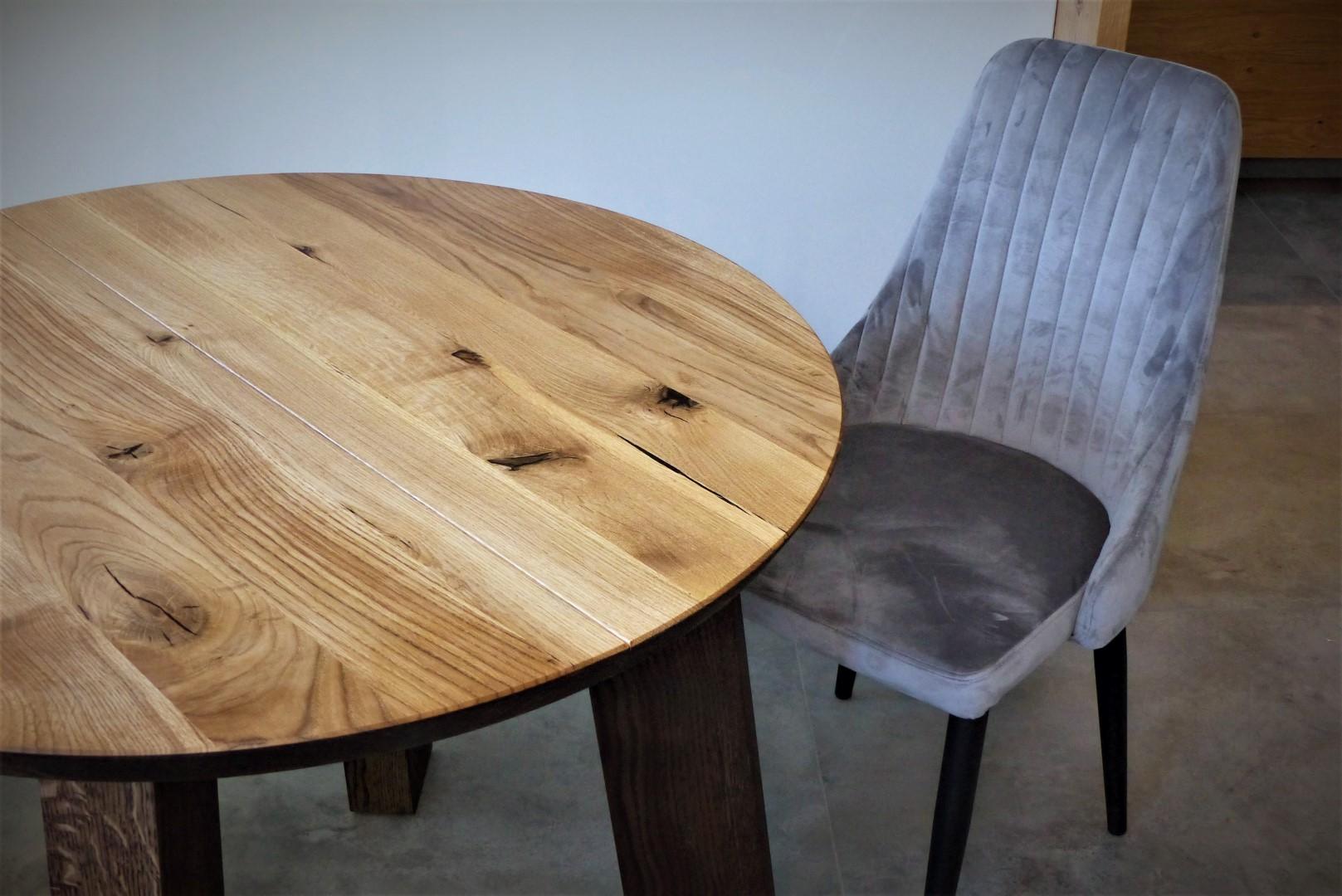 Okrągły stół dębowy z nogami z litego drewna #4