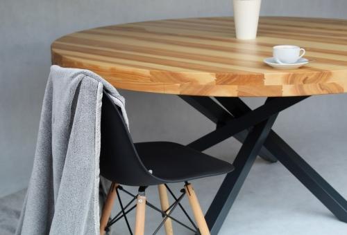 Okrągły, jesionowy stół