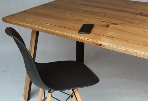 Stół z blatem jesionowym