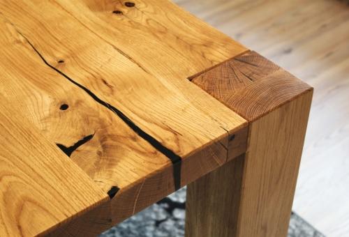Ogromny rustykalny stół dębowy