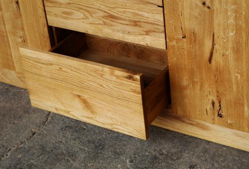 Naturalna komoda z litego drewna dębowego