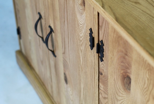 Prowansalska komoda z drewna jesionu