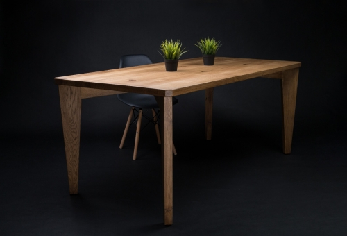 Stół z litego drewna S1